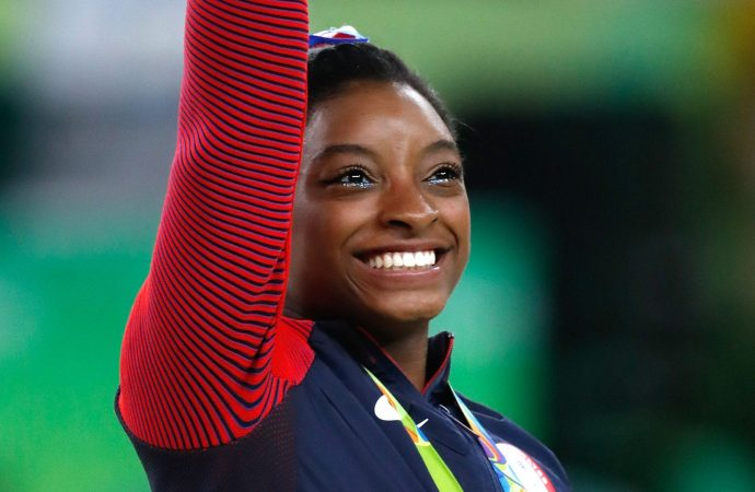 Simone Biles Cleared to Compete, Wins Bronze in Balance Beam