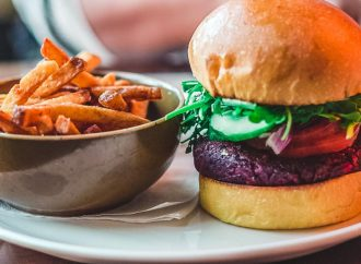 Exploring the Truth Behind Sustainable Meat and Plant-Based Burger Choices